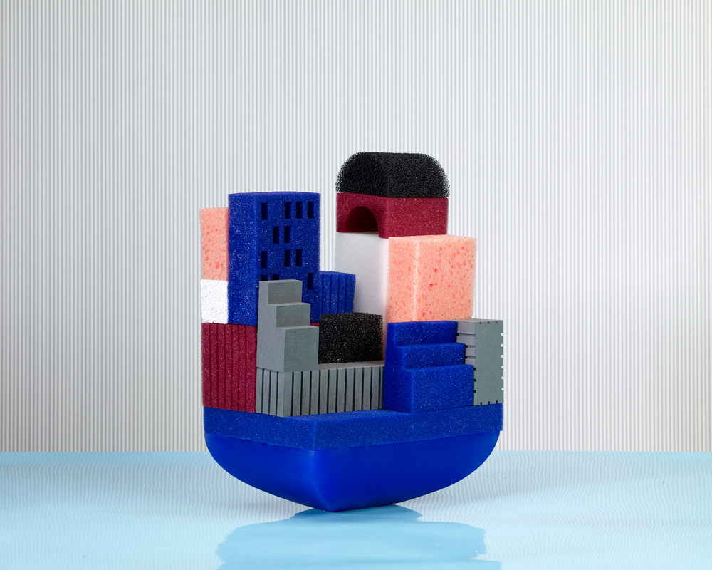 Floating building blocks for the bath