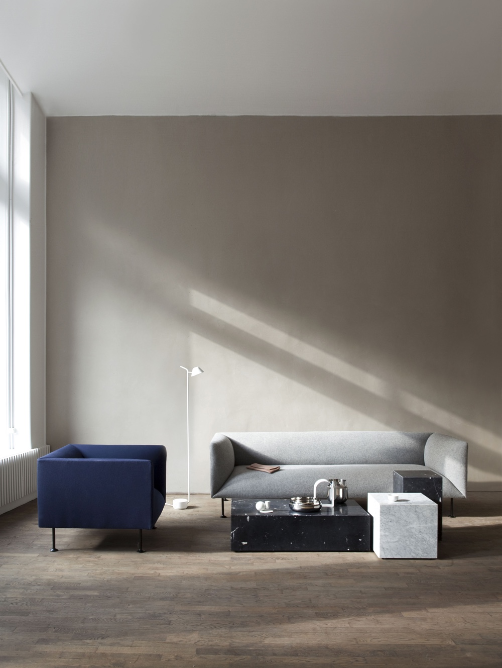 Godot 01 1-seater and 3-seater by Iskos-Berlin