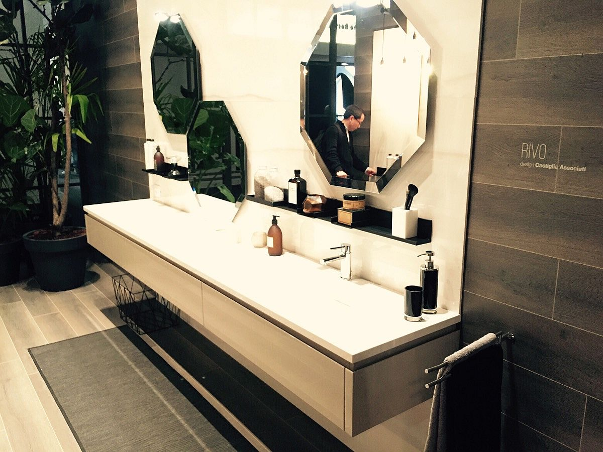 Hexagonal bathroom mirrors and floating vanity of Rivo from Scavolini - iSaloni 2016
