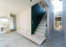 Interior-of-Go-Bang-House-in-Nagaoka-Japan-217x155