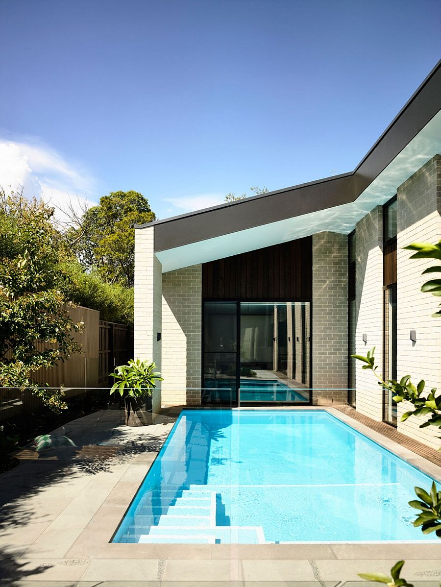 Living space of the house wraps around the central courtyard