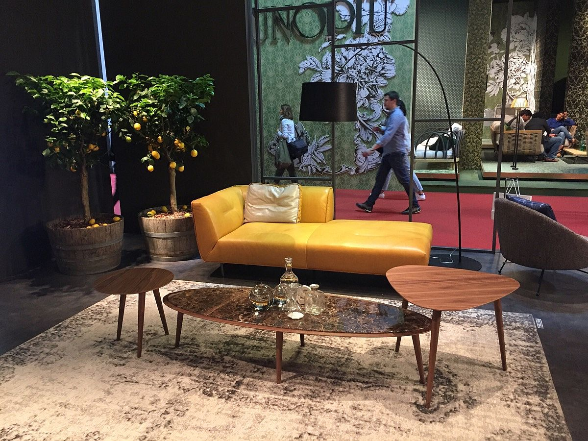 Love the use of refreshing yellow for this cool couch