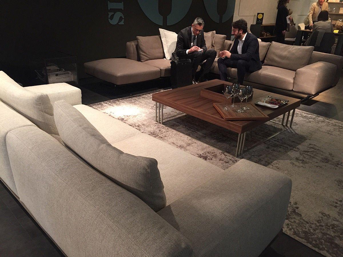 Luxurious Nando Sofa from MaxDivani