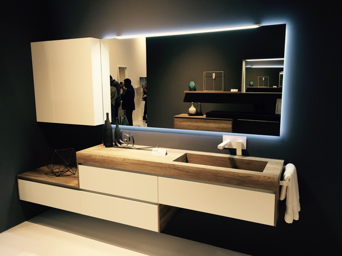 Minimal and innovative bathroom vanity design by Mobilcrab