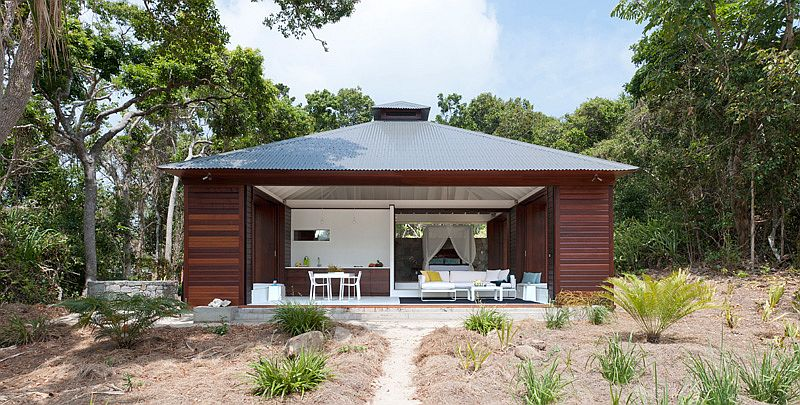 One bedroom beach house in Far North Queensland, Australia
