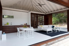 Open design of the small beach house in Australia