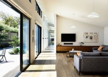 Open-living-area-connected-with-the-central-courtyard-217x155