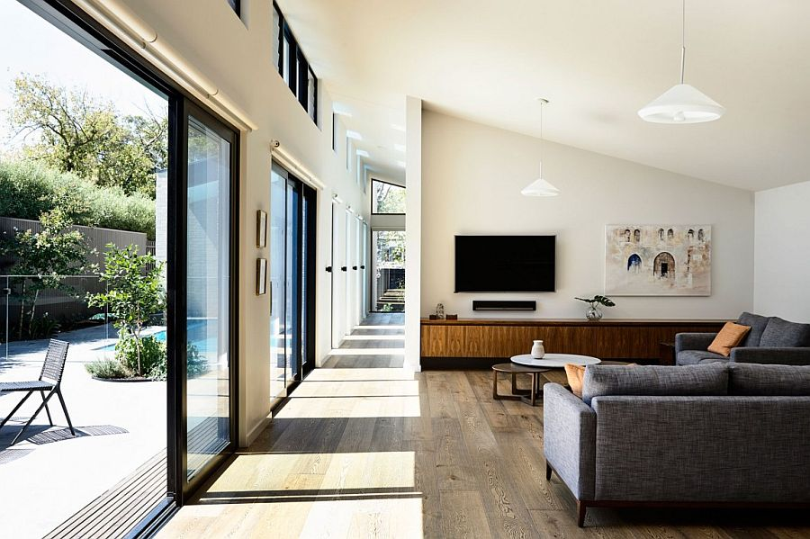 Open living area connected with the central courtyard