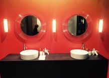 Oraneg-and-black-is-a-color-scheme-you-can-try-out-as-well-in-the-bathroom-217x155