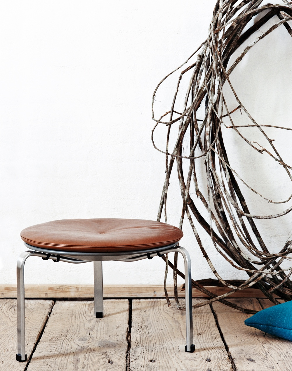 PK33 stool