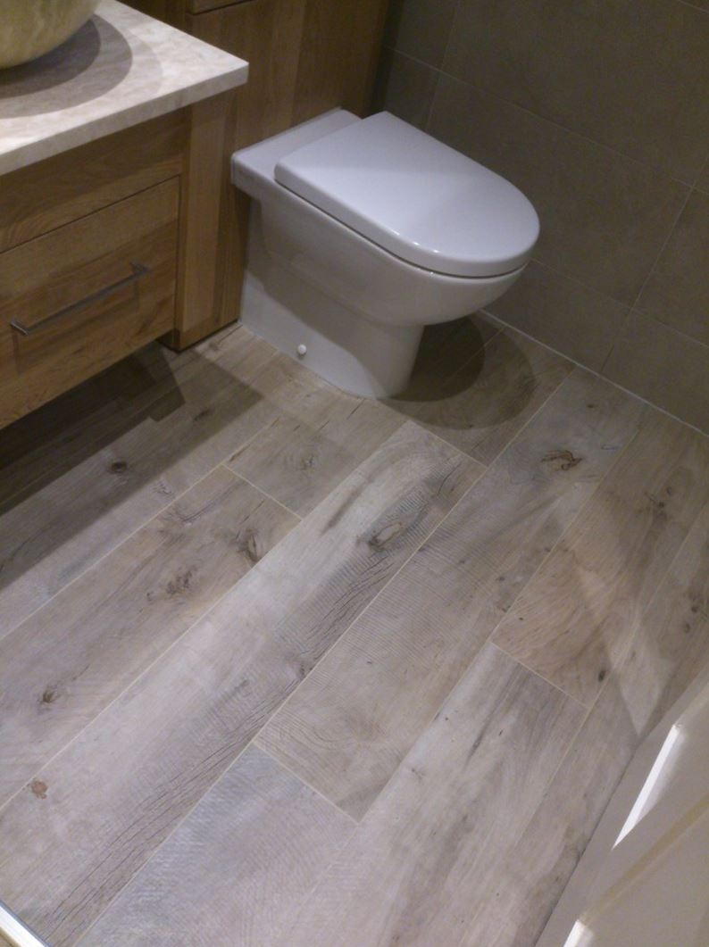 Porcelain tile with the look of wood