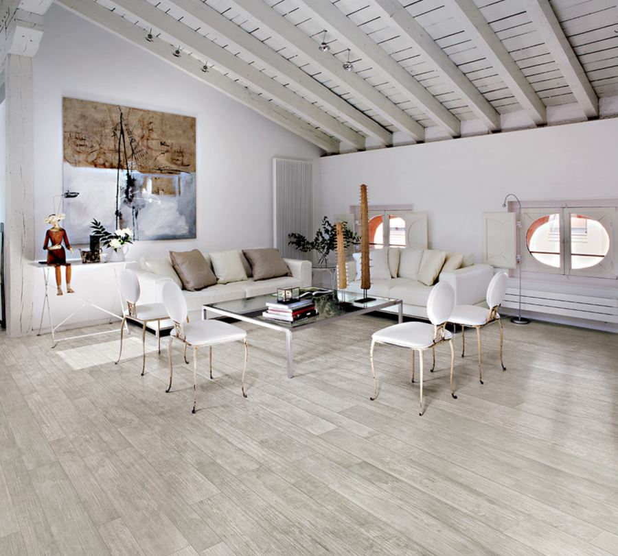 View in gallery Porcelain tiles that look like wood - Decorating With Porcelain And Ceramic Tiles That Look Like Wood