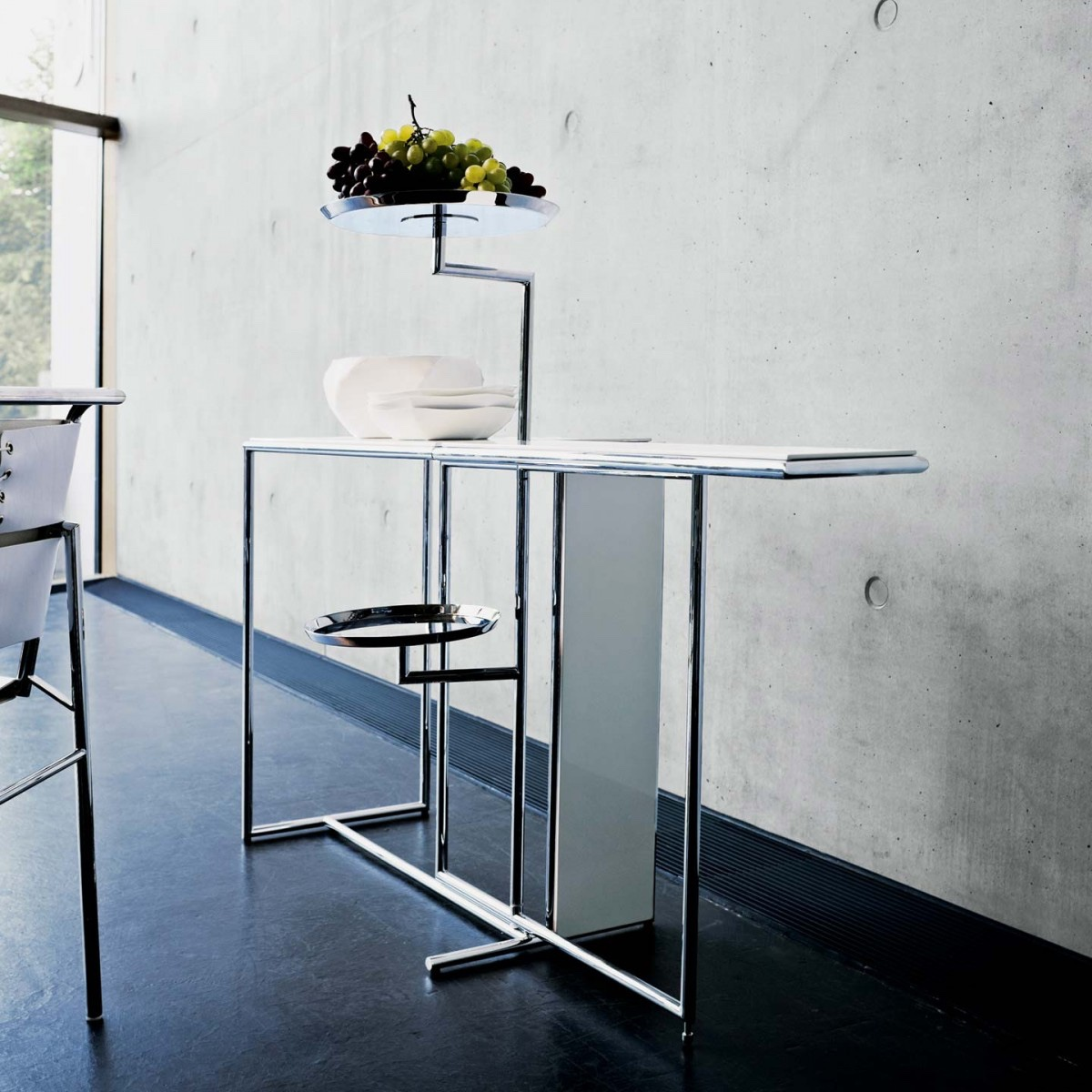 Rivoli table