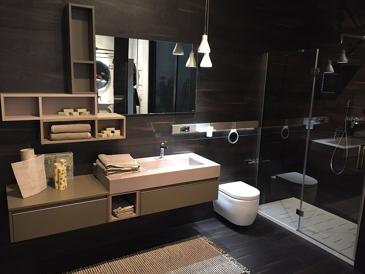 Simple lines coupled with a dashing backdrop for this Cerasa bathroom