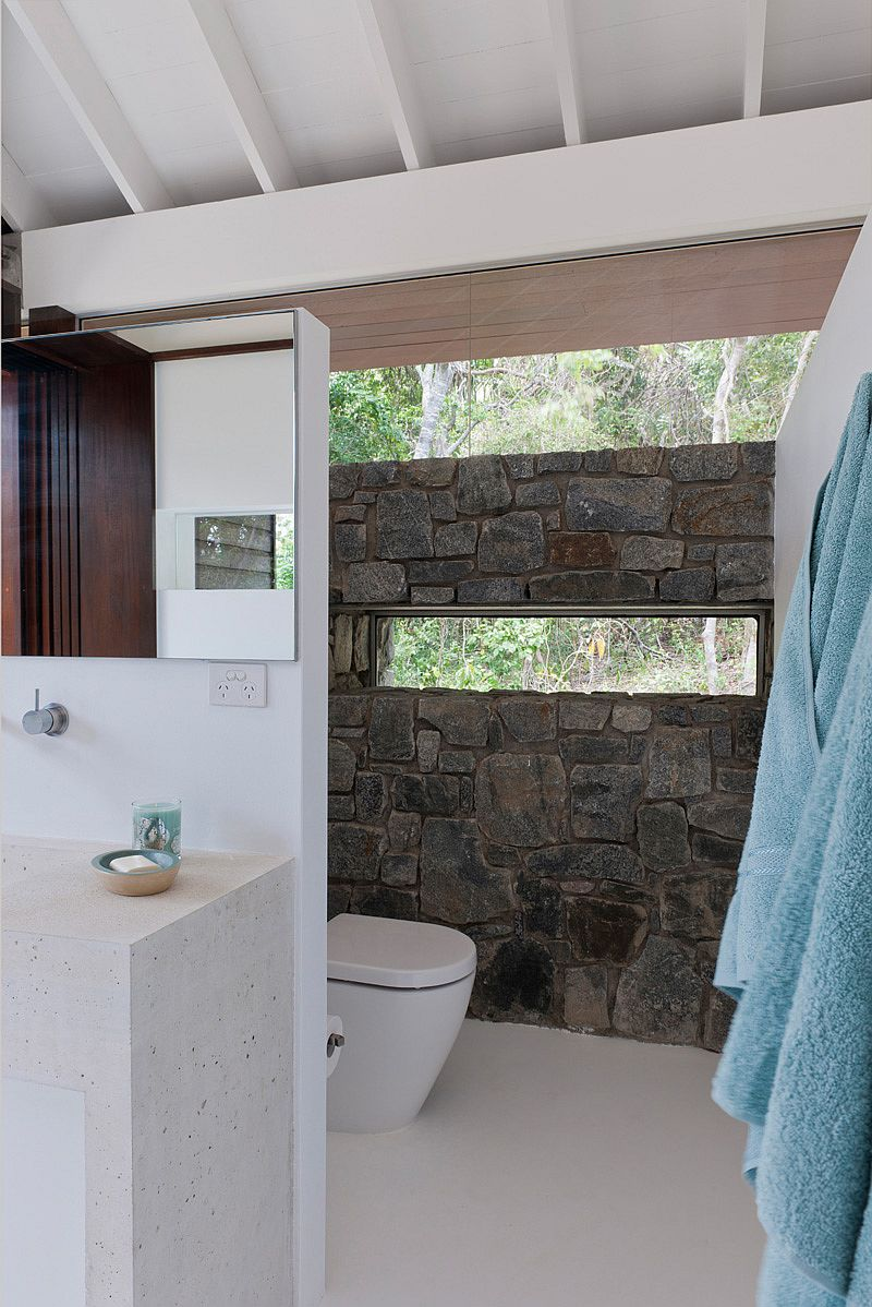 Stone accent wall in the bathroom