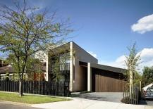 Street-facade-of-the-contemporary-Eaglemont-House-217x155