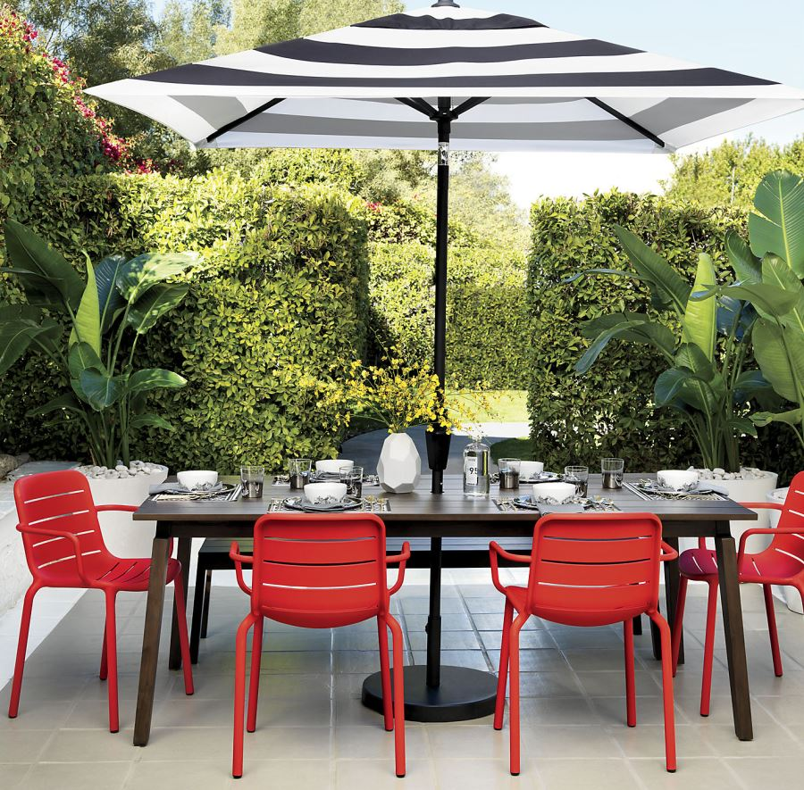 Patio furniture and decor trend bold black and white for Outdoor patio accessories