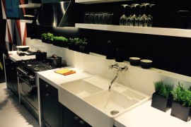 Stunning use of black for the modern kitchen space
