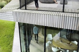 Terrace level play zone with metal fencing