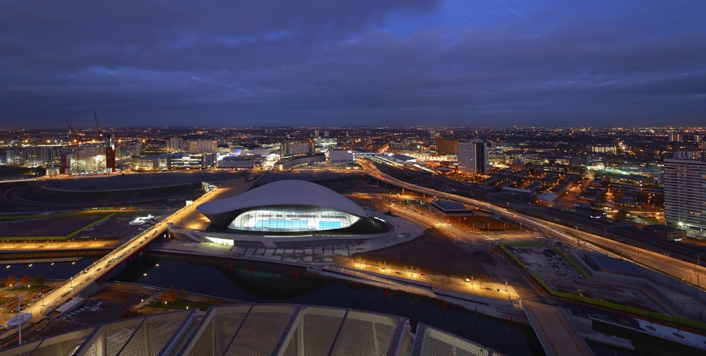 The London Aquatics Centre at night