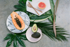 Tropical table style from Green Wedding Shoes