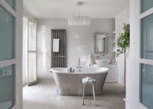 Wood-effect porcelain in a rustic modern bathroom