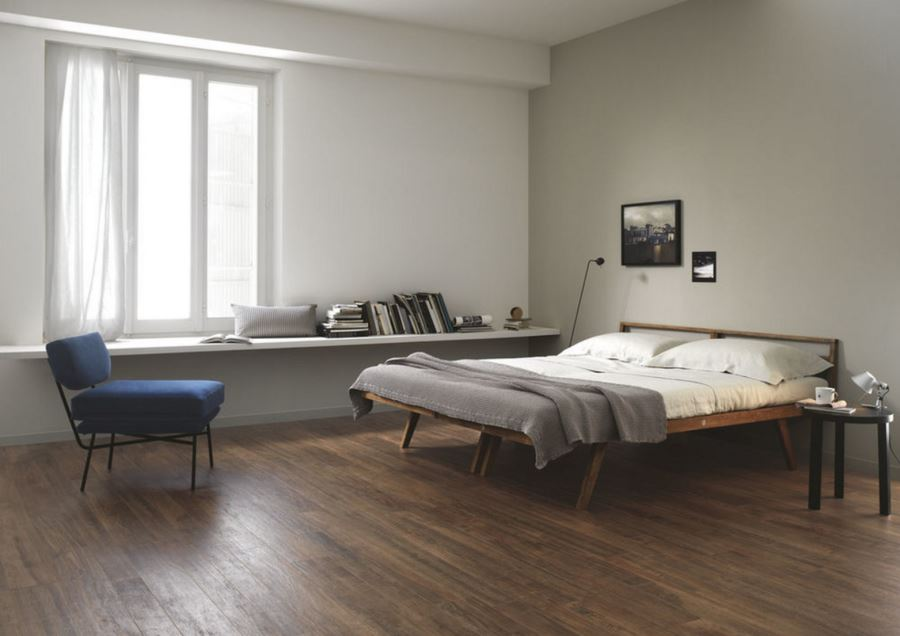 Wood-effect tile in a modern bedroom