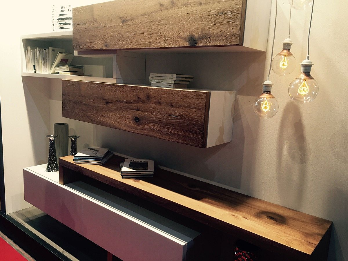 Woode combined with modern finishes for fabulous shelves