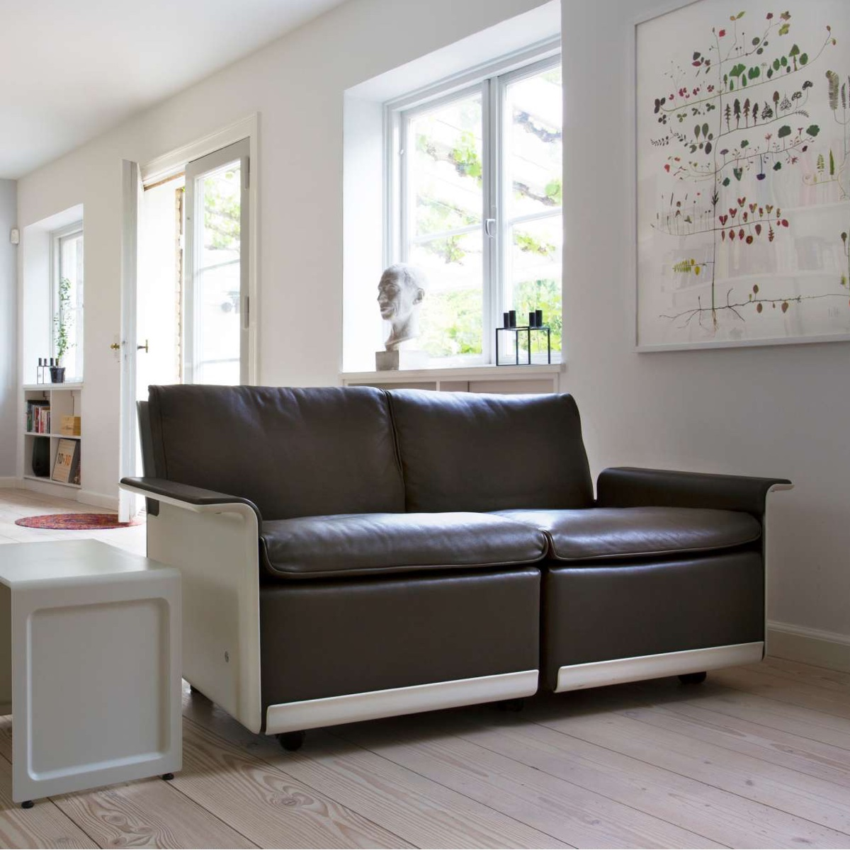 620 low-back two-seat sofa