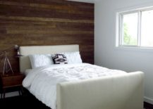 Accent-wall-of-reclaimed-wood-217x155