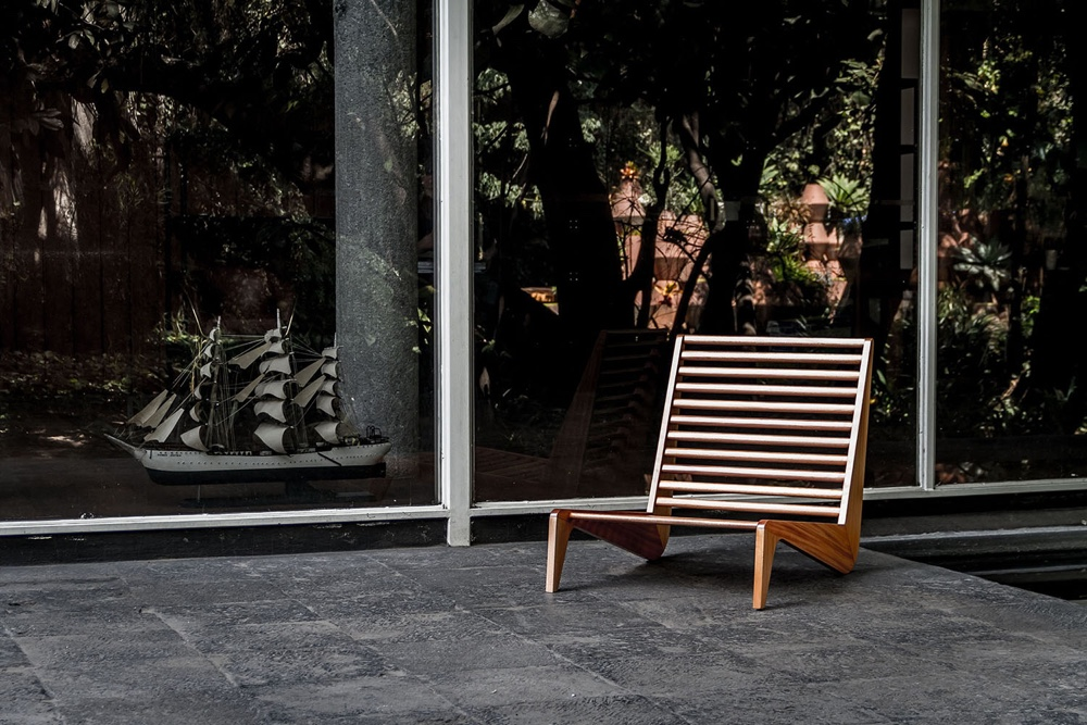 The Ala bench by Alexander Díaz Andersson is a smart outdoor seat inspired by 1950's Mexican furniture.