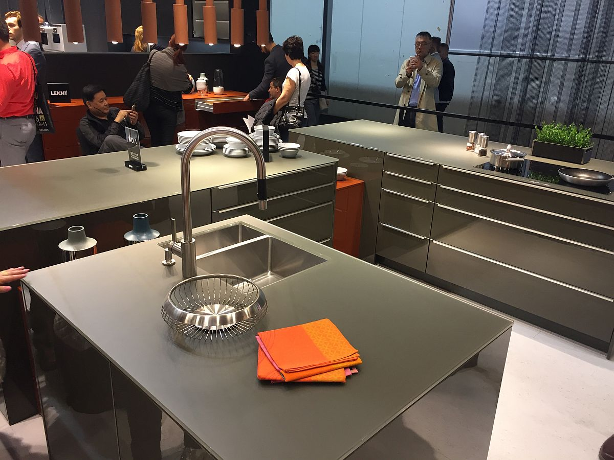 Array of ergonomic kitchen designs from Leicht at Salone del Mobile 2016