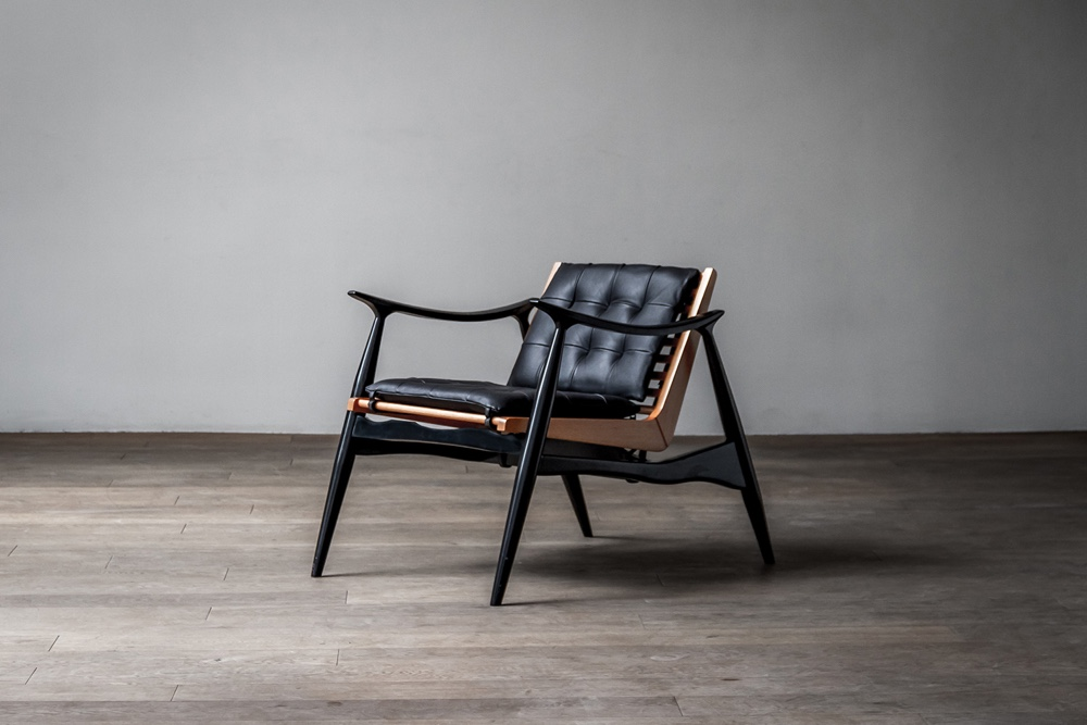 The Atra chair by Alexander Díaz Andersson.