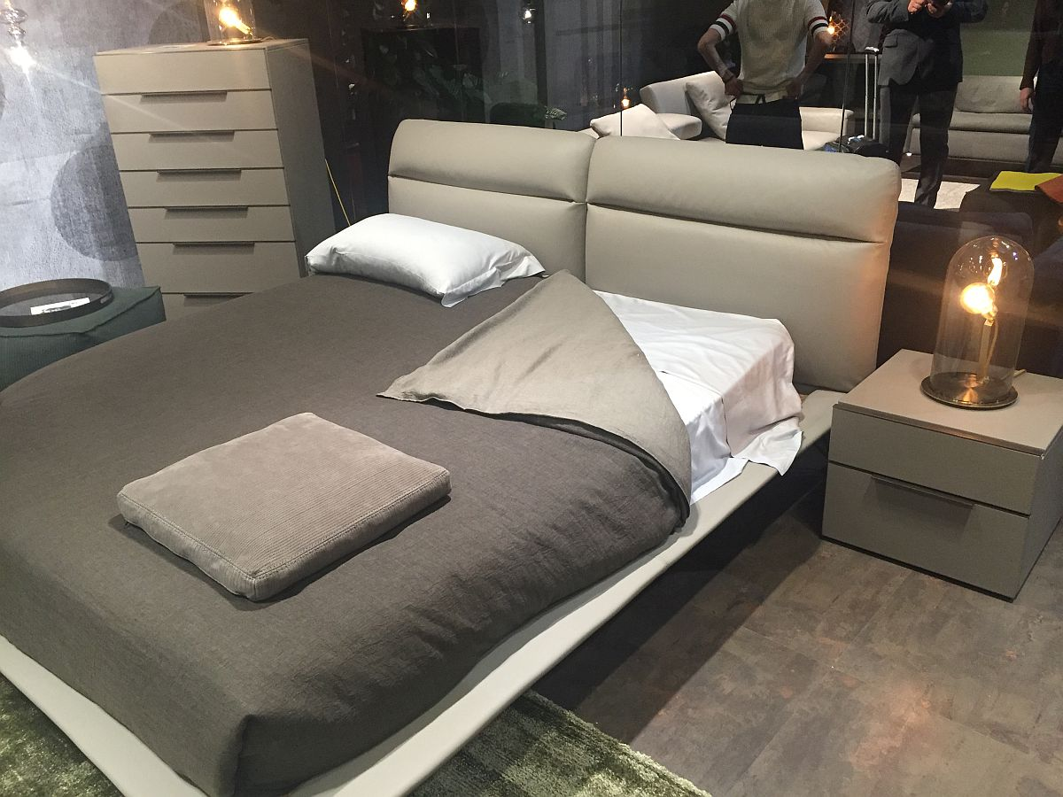 Bed with padded headboard and minimal bedside stands - Cierre stand at Milan 2016