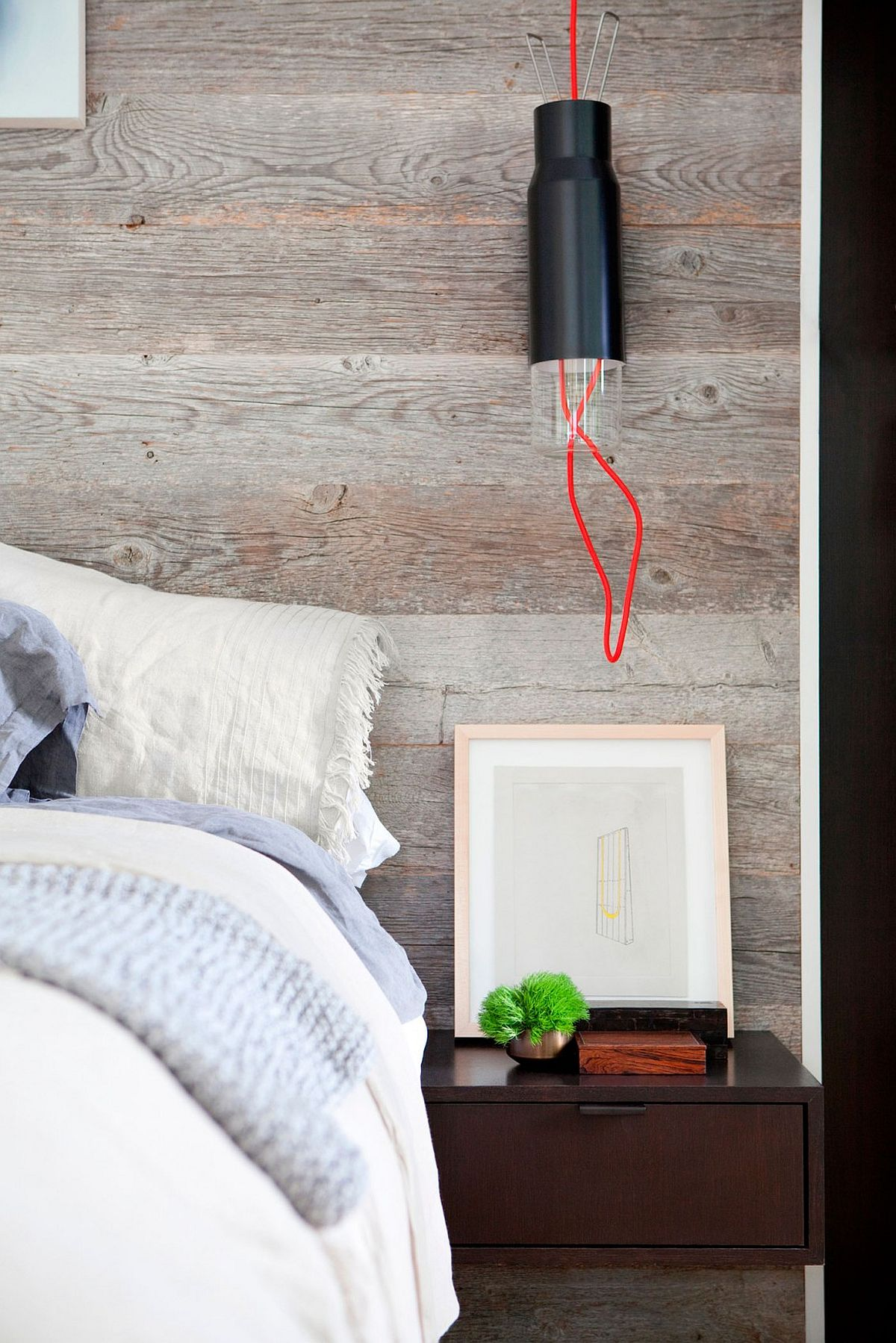 Bedside lighting idea that is simple and minimal