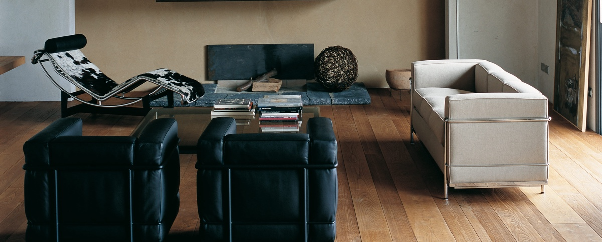 Cassina was formed in 1927by brothers Cesare and Umberto Cassina. In 1964, Cassina acquired the rights to produce designs byLe Corbusier, Pierre Jeanneret and Charlotte Perriand: the LC Collection. This image shows the LC2 armchair and sofa with the LC4Chaise longue. Designed in 1928 byLe Corbusier, Pierre Jeanneret and Charlotte Perriand. Image©Cassina.