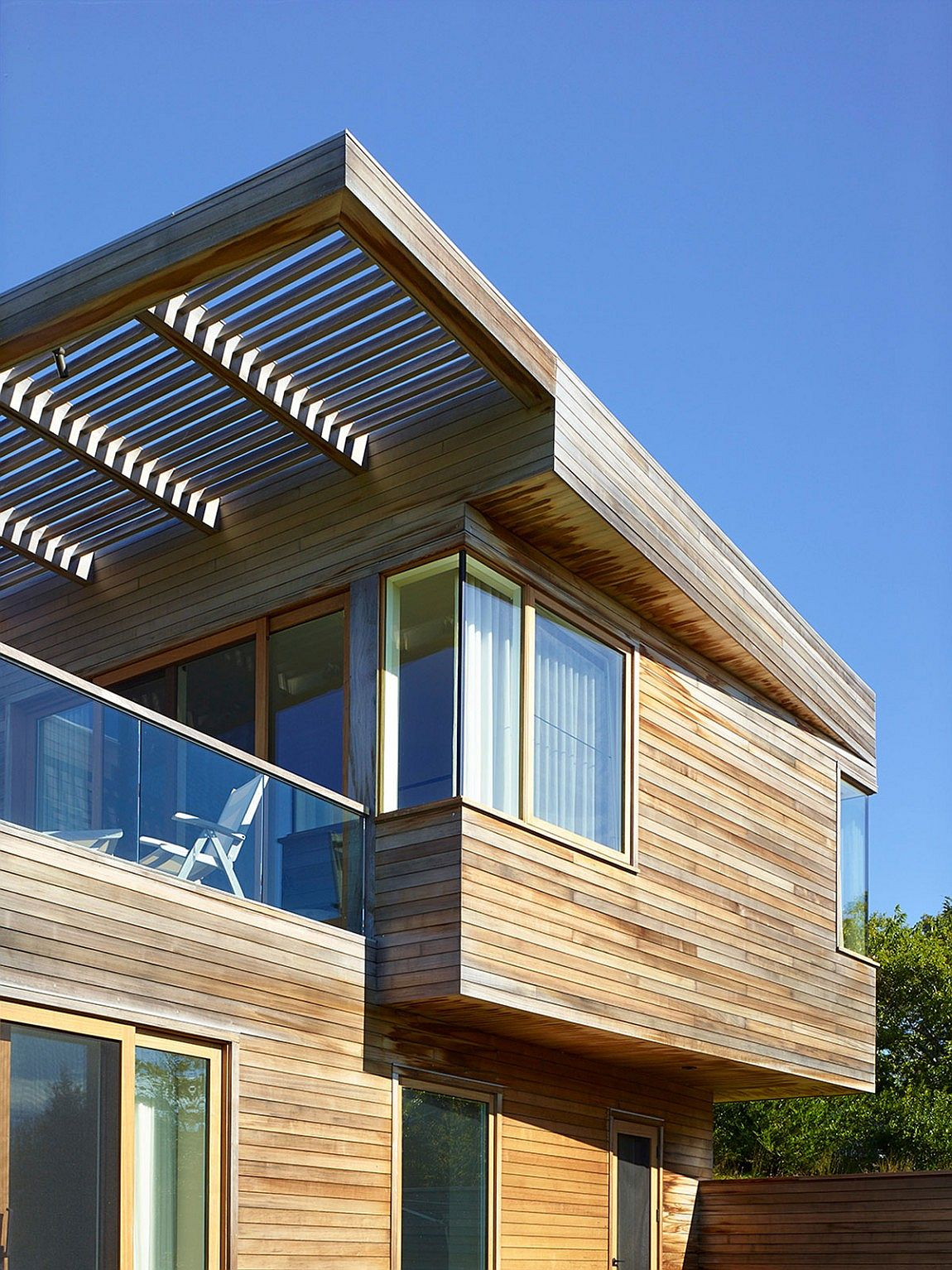 hillside delight contemporary farm house takes shape on martha u0027s