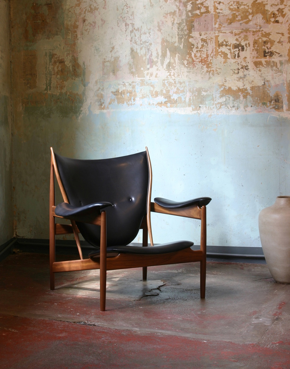 The Chieftains Chair, designed by Finn Juhl in 1949. Image © 2016 House of FinnJuhl™.