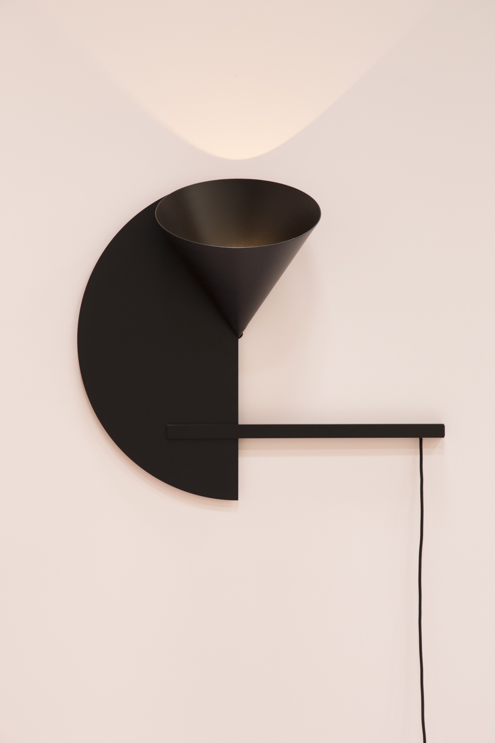 Cirkel Wall Light in black