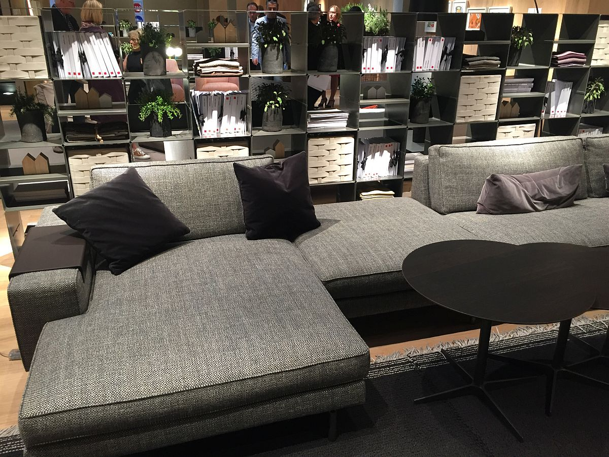 Comfy contemporary couch in gray from verzelloni decoist for Grey comfy chair
