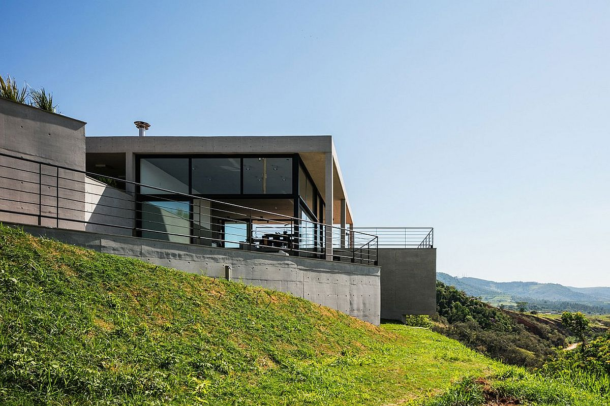 Contemporary home perched atop a hilly site with scenic views of Sao Paulo