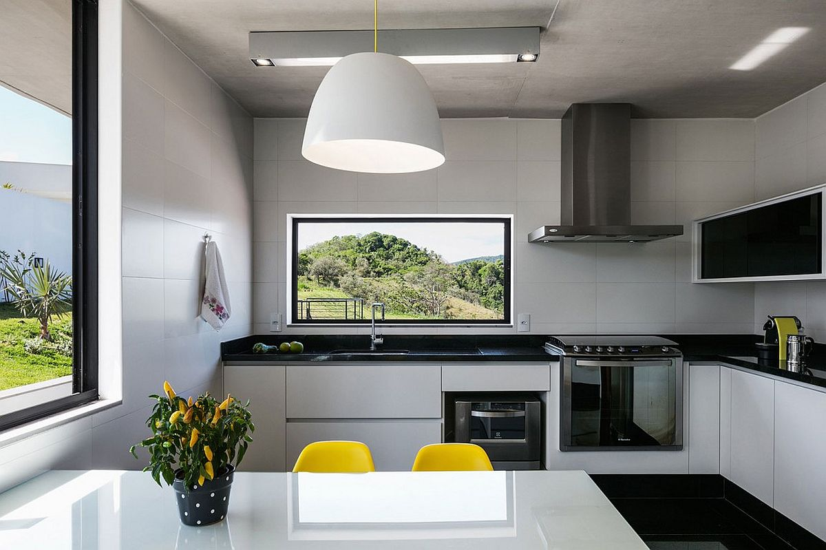 Contemporary kitchen in black and white with unique style