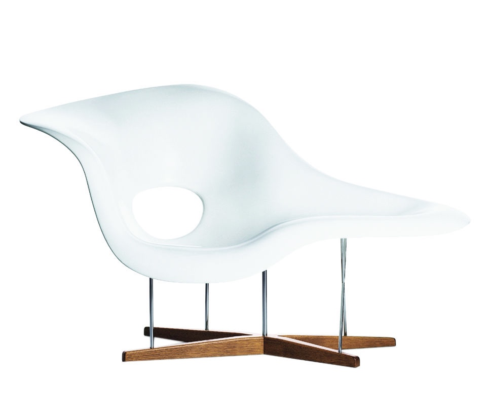 La Chaise. Image © 2016 Eames Office, LLC.