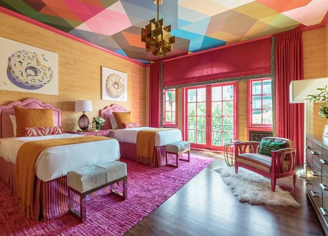 Visual Feast: 10 Rooms with Magical Multicolored Ceilings