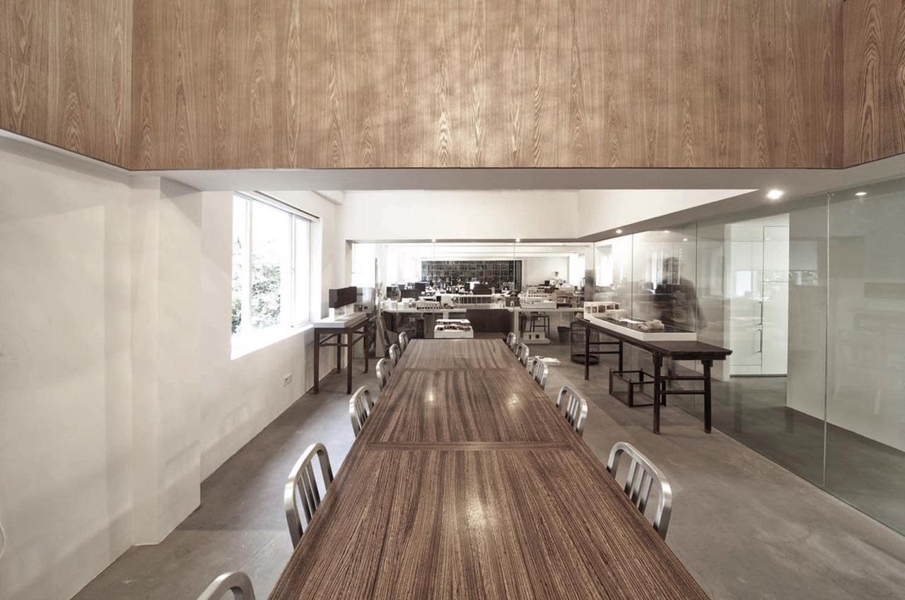 Emeco 1006 Navy Chairs at architectNeri & Hu's office. Image via Emeco News.