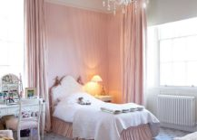 Fashionable use of striped accent wall in the shabby chic kids' bedroom