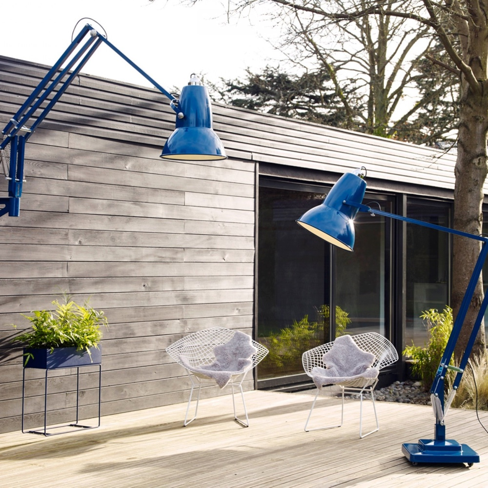 Giant Outdoor wall-mounted and floor lamps