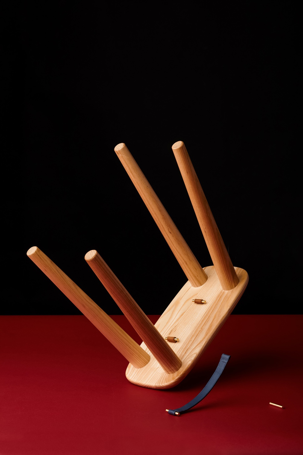 Handle Stool by Gabriel Tan. Image via Gabriel Tan Studio.