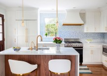 Hint of metal makes a big difference to the kitchen