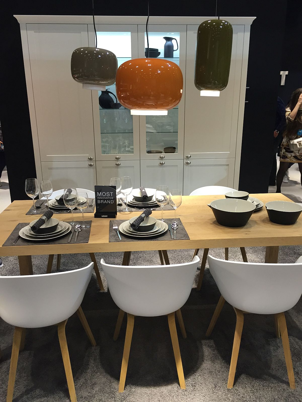 Latest dining table and chairs unlveiled by Leicht at Milan 2016